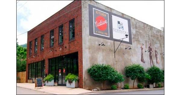 Social Pub Restaurant in Swannanoa, NC