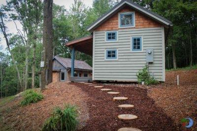 Blue Moon Rising Cabins