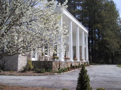 Pinebrook Manor Inn