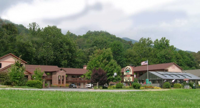 Jonathan Creek Inn and Creekside Villas