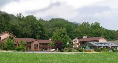 Jonathan Creek Inn and Creekside Villas