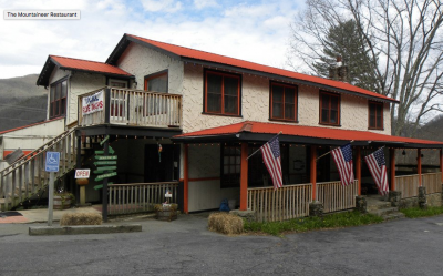 Moutaineer Restaurant at Fireside Cottages