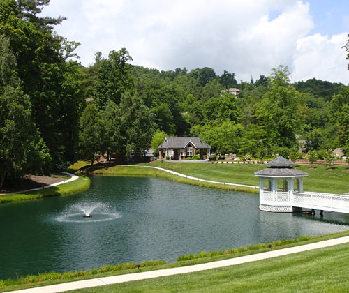 Picture of Entrance to Carriage Park Community in Hendersonville NC