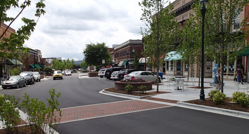 Picture of Main Street in Hendersonville, NC