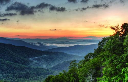 Cherohala Sunrise Photo by Aaron Morgan