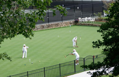 Croquet Players at the Greystone Inn