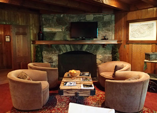 Cozy Lounge at the Lodge on Lake Lure