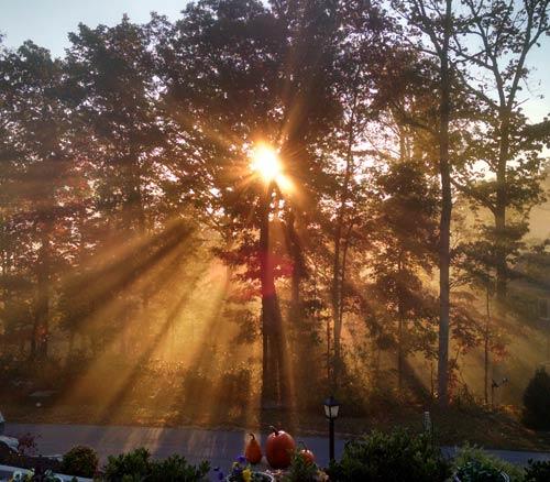 Sunrise Sun Beams, Fall, 2015-Leaves-Peaking